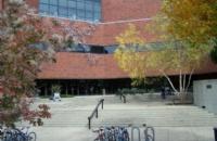 美国第一座市立的公共大学:路易斯维尔大学