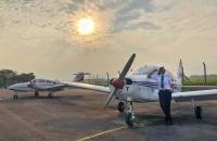 一位来自英迪大学的毕业生,勇往直前实现她的飞行梦想