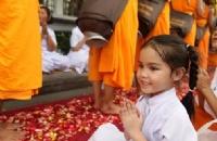 越来越多的孩子选择去泰国留学,原因是...