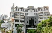 在新加坡学酒店管理专业,认准新加坡SHRM莎瑞管理学院!保证带薪实习,还受中国教育部认证!