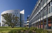结合学生专科背景,给出专业方案助力同学顺利入读迪肯大学