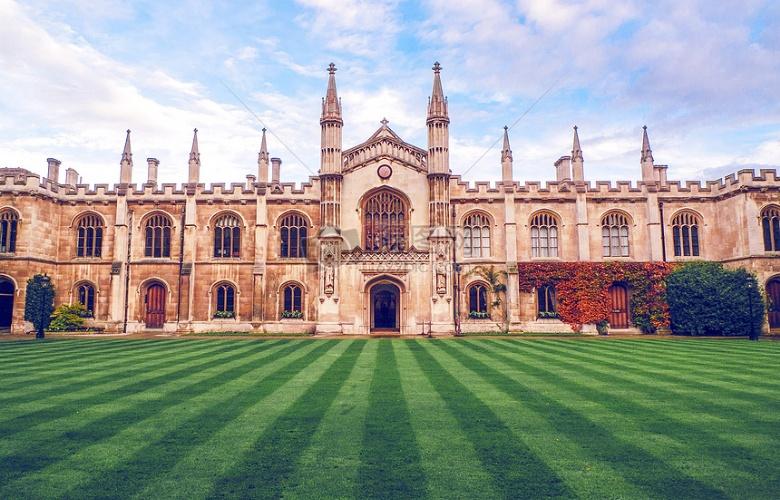 """剑桥大学""""未来小企业家""""+海外志愿者体验营"""