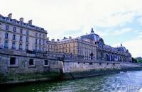 法国留学热门专业介绍