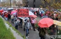 加薪谈判破裂,洛杉矶3万教师大罢工,留学生怎么办?