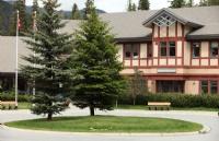 海天教育局:以雄厚的师资力量,高水平的学术水平闻名加拿大