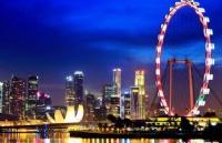 中�����H�W校VS新加坡���H�W校,你��怎么�x?