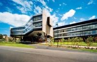 """澳洲这所大学为中国留学生""""专供""""10000澳币奖学金,TA就是......"""