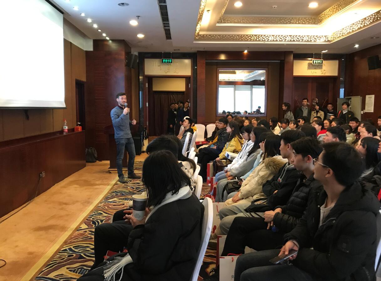 为梦想而战,立思辰留学360湖南子公司春季国际教育展圆满结束