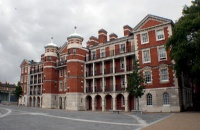 寻找艺术院校?不妨考虑英国伦敦艺术大学!