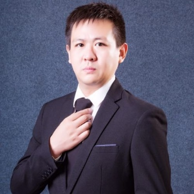 立思辰留学首席留学顾问 张琛老师