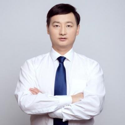 立思辰留学美国项目经理 张万勇老师