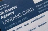 英国移民局宣布将废除入境卡!大排长龙的时代即将终结!