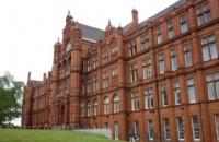 索尔福德大学商学院培养了众多优秀的毕业生!