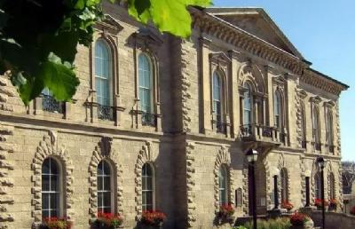 加拿大留学丨费用大揭秘,让同学们心里有个底!