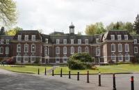 英国留学丨热门斯特兰米尔斯大学学院学费你须知