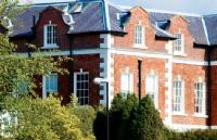 国内二三本大学该如何申请英国名校?点击这里告诉你!