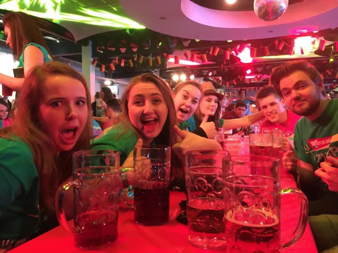 英国留学打工|提赛德大学的学生们除了餐厅,还有哪些意义的兼职?