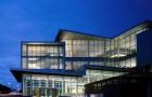 想去加拿大读律师专业?给你推荐相关专业院校!