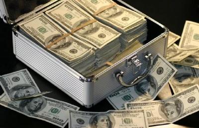 美国留学学费昂贵,受到的教育能否值回你花的钱?!