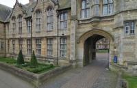 高考后去英国留学有哪些途径呢?