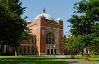 英国伯明翰大学宣布:承认中国高考成绩丨确定只要600分就能申请?