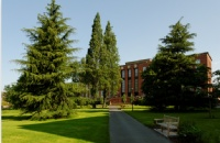 知山大学相当于中国什么等级的大学?