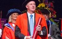 新西兰坎特伯雷大学商学院成功加冕'三皇冠'
