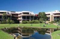卧龙岗大学是怎样一种存在?