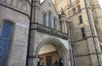马同学双非大学毕业,成功申请世界名校曼彻斯特大学金融专业!