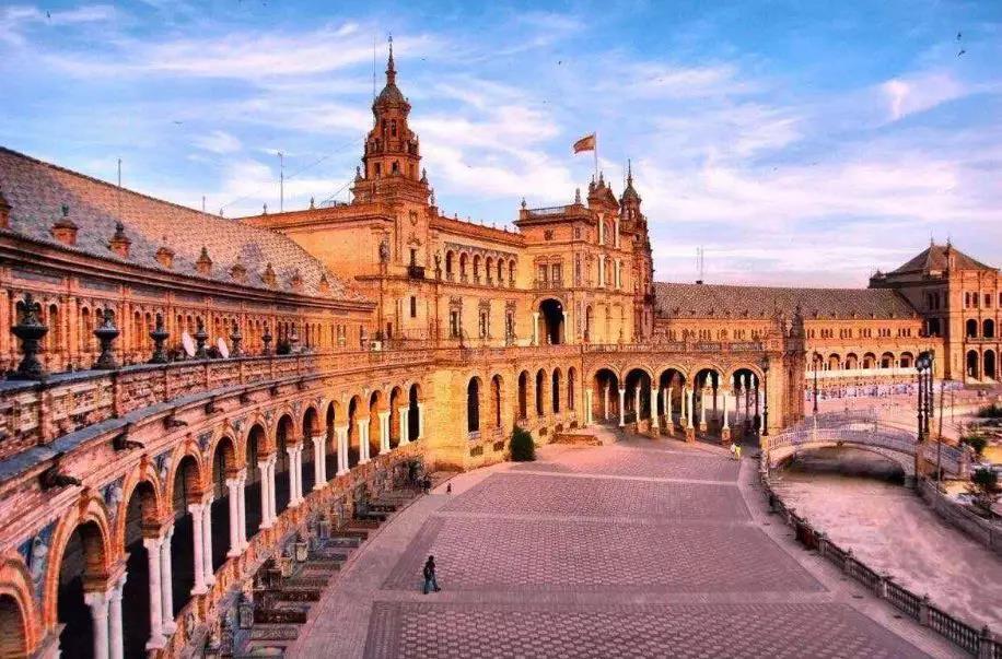 2020年申请西班牙硕士需要准备哪些材料?