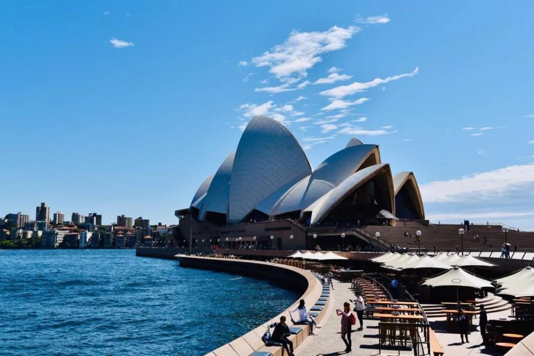 澳洲留学:盘点澳洲各专业毕业率及毕业生起薪!