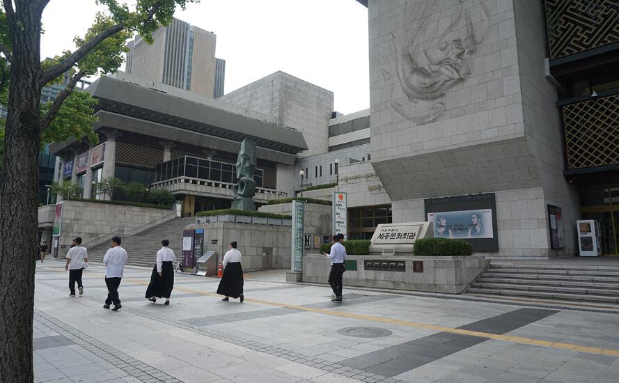 去韩国留学,读插班需要什么样的条件?