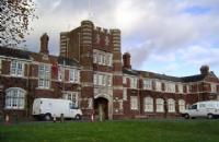 去普利茅斯大学就读是怎样一种体验?