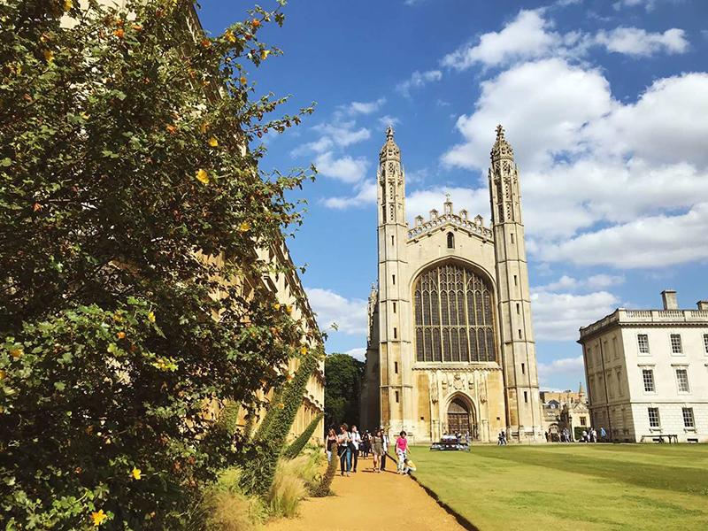 出国留学是英国更好还是美国更有吸引力?
