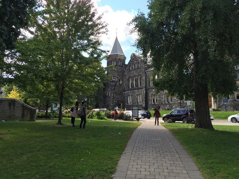 一篇文章告诉你:留学加拿大最佳留学年龄、留学费用及申请条件