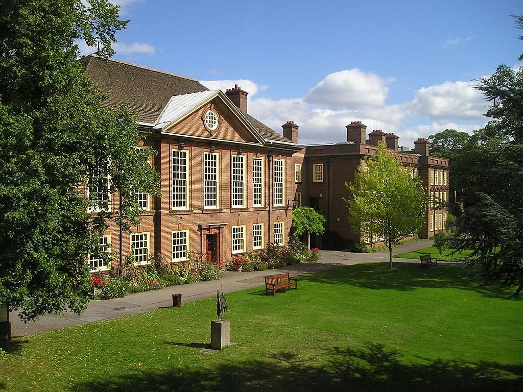 最好的10所英国法学院申请条件,牛津剑桥强势领先