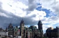 留学加拿大小留学生应该如何过语言关?