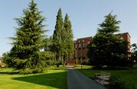 """肯特大学被誉为""""著名研究型大学"""""""