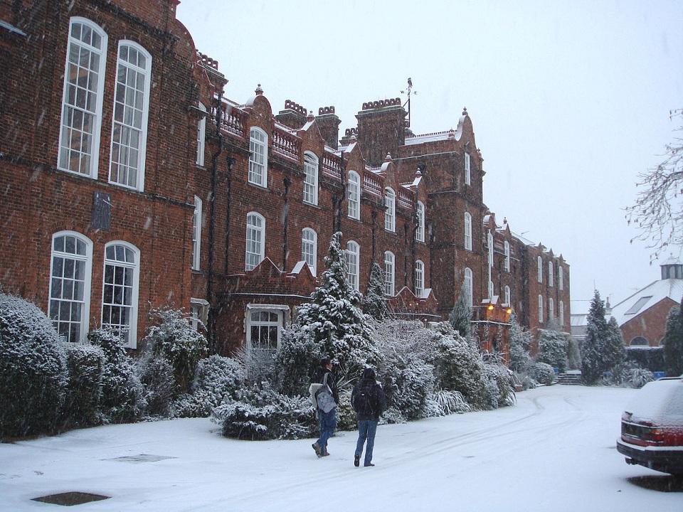 圣诞节过后更难申请吗?看英国留学申请三个黄金时间节点