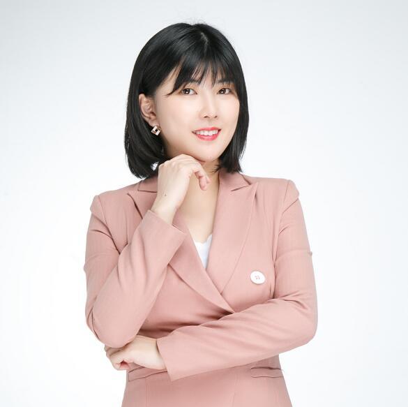 美加留学顾问 张山背美老师