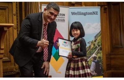 8岁中国女孩领跑,成为惠灵顿史上最小的优秀留学生!
