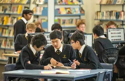 2020年留学新西兰到底什么年龄段最合适?选择公立or私立学校?