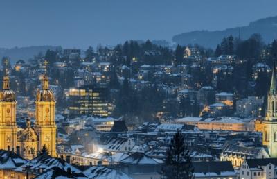 瑞士留学每年假期