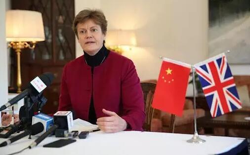 英驻华大使刚刚宣布!不会限制中国人入境!反对针对中国公民的歧视