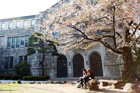 韩国教育部:3月份大学校内只要发生确诊,全校停课!