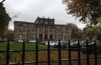 英国女王大学留学费用贵不贵?英国性价比最高的大学值得选择!