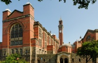 背景条件一般也照样能进世界名校英国伯明翰大学录取!