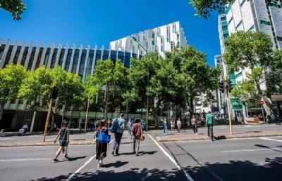 新西兰留学费用一年多少钱?新西兰中学、本科、研究生费用详解!