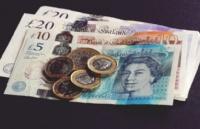 去英国留学,你还需要准备好这笔钱!