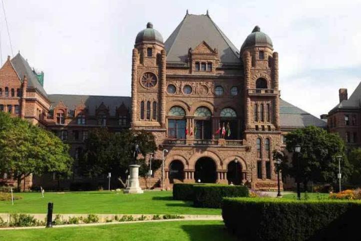 """加拿大为什么要求天天给孩子带饭还这么早放学?这都是政府的""""阴谋""""!"""